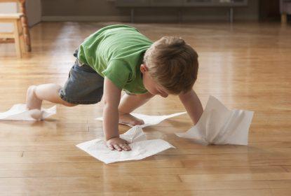 Holzboden reinigen: Pflegetipps für die Langlebigkeit